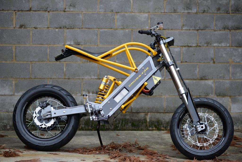 ExoDyne Electric Motorcycle by Alan Cross