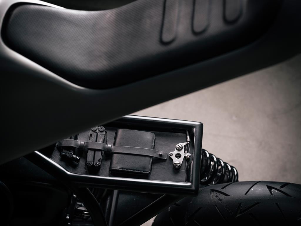Custom BMW R100R Cafe Racer by Vagabund Moto